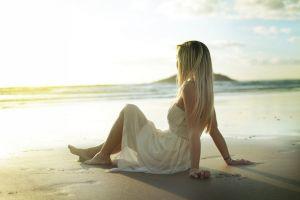 blonde beach model