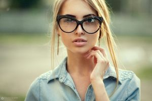 blonde women portrait face women with glasses