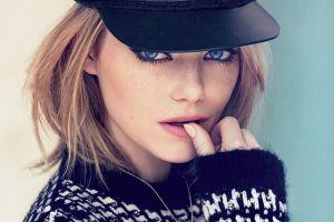 blue eyes hat emma stone