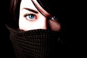 blue eyes women brunette eyes scarf brunette