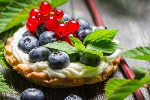 blueberries cupcakes food