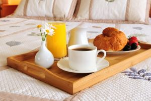 breakfast coffee vases cup bed food