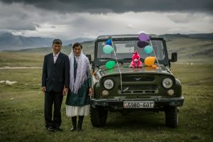brides numbers women men balloon vehicle couple car
