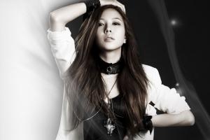 brunette eyeliner choker korean women low saturation k-pop black eyes long hair asian singer