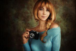 camera redhead smiling women