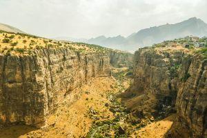 canyon desert landscape creeks mountains