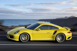 car porsche 911 turbo motion blur