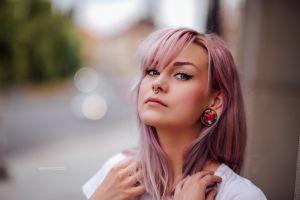 dyed hair portrait eyeliner blue eyes women model depth of field pierced nose