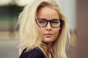 face blonde portrait women with glasses women