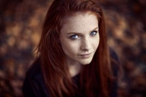 face blue eyes redhead depth of field women freckles samuel bouget portrait model