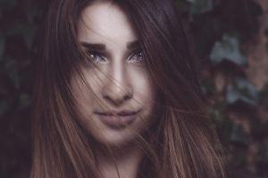 face portrait women hazel eyes brunette