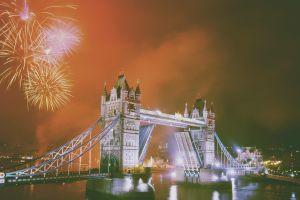 fireworks london new year tower bridge