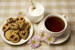 flowers cookies sugar  tea