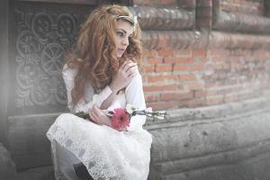 flowers model women