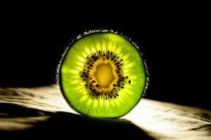 food fruit green kiwi (fruit) closeup light green