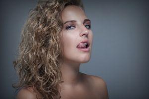 freckles tongues wavy hair blue eyes portrait model women blonde