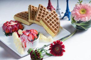 fruit strawberries still life eiffel tower sweets cake flowers food