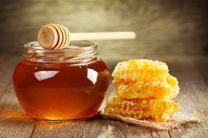 honey food honey spoon jars honeycombs