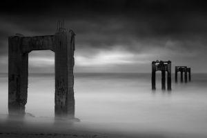 horizon california gray architecture sand sea pillar gloomy overcast concrete mist monochrome long exposure usa beach