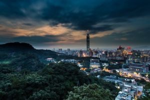 long exposure hills taiwan street architecture lights skyscraper building trees cityscape taipei 101 sunset evening clouds taipei