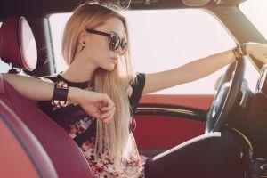 long hair mini cooper women women with shades blonde t-shirt
