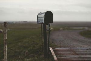 mailbox fence landscape depth of field