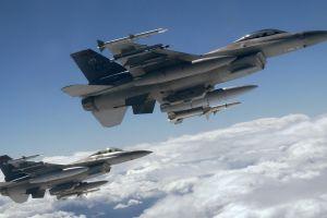 military aircraft general dynamics f-16 fighting falcon aircraft