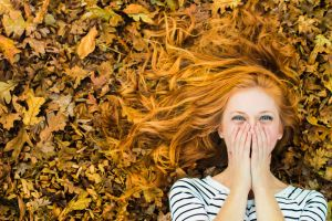 model laughing leaves women striped redhead