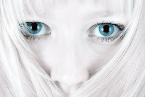model white hair women eyes blue eyes