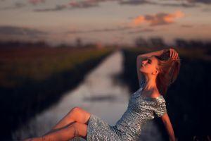 model women outdoors dress arms up women
