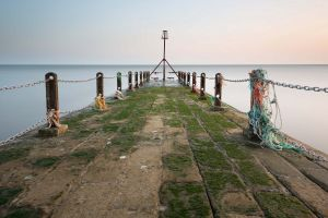 moss pier horizon sea