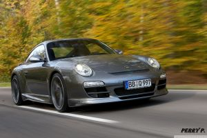 motion blur car porsche road