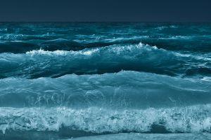 multiple display waves water
