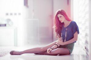 natalia conteras sitting necklace long hair natalia contreras women model