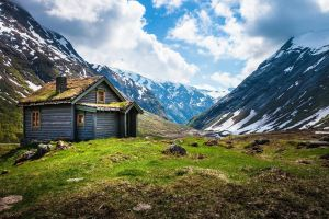 norway cabin mountains valley fjord