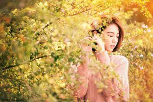 open mouth women outdoors leaves brunette trees asian women long hair nature sweater model depth of field