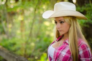 open shirt straight hair portrait blonde model plaid shirt brown eyes long hair women women outdoors plaid