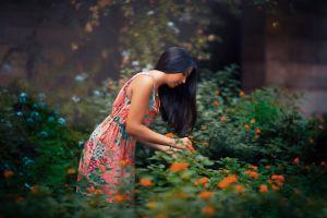 plants model women