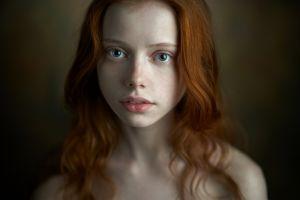 portrait model wavy hair freckles ekaterina yasnogorodskaya pale bare shoulders redhead depth of field green eyes face women