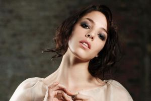 portrait open mouth brunette actress looking at viewer olivia thirlby