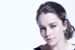 portrait smiling brunette actress blue eyes women pink lipstick ponytail emilia clarke