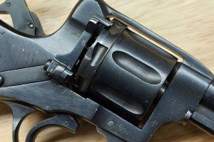 revolver gun pistol nagant m1895