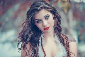 santa girl looking at viewer smirk long hair red lipstick tattoo santa costume ana de carvalho cleavage women blue eyes brunette smiling
