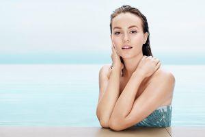 sensual gaze actress celebrity women wet body leighton meester