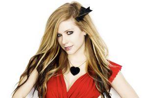 simple background women celebrity singer avril lavigne