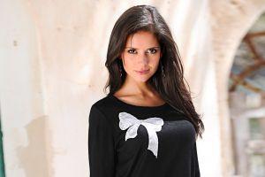 smiling looking at viewer brunette women outdoors long hair women carla ossa