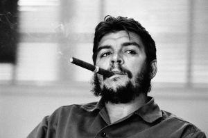 smoking men cigars che guevara celebrity monochrome