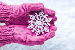 snow gloves snow flakes