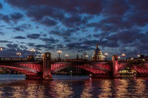 street light london st. paul's cathedral bridge dusk