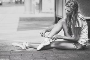 t-shirt roberto inetti jean shorts street urban ballerina legs lauren elise laughlin tiptoe women outdoors blonde depth of field long hair model monochrome